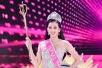 Video: Tân Hoa hậu Việt Nam 2018 xúc động giây phút đăng quang