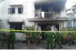 Giải cứu cụ bà trong căn nhà cháy dữ dội ở Đà Lạt