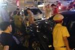 Ô tô gây tai nạn liên hoàn trên cầu vượt Láng Hạ