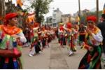 Ảnh: Xem trai làng Triều Khúc má phấn môi son múa 'con đĩ đánh bồng'