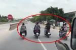 Nhóm thanh niên phóng xe máy dàn hàng ngang chặn đầu ô tô: Công an Thanh Hoá thông tin mới nhất