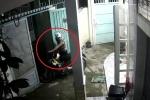 Trộm xe máy còn 'lịch sự' đóng cổng giúp chủ nhà