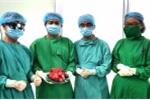 Bệnh viện cấp quận đầu tiên phẫu thuật thành công khối u khổng lồ ngoạn mục