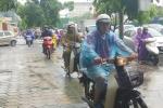 Mưa lớn kéo dài, giao thông Thủ đô hỗn loạn ngày cuối tuần