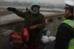 Clip: Đạp xe hơn 500km về quê ăn Tết, 1 tháng sau mới biết đi nhầm đường