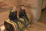 Video: Chiếc ghế thần kỳ có thể lọc không khí