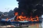 Video: Tàu cao tốc bốc cháy dữ dội tại cảng Cái Rồng, Quảng Ninh