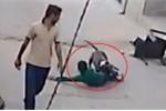 Clip: Chó dữ của trùm buôn lậu sổng ra đường cắn càn, 3 trẻ em nhập viện