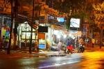 20 côn đồ mang gậy gộc xông vào quán ăn ở Sài Gòn để trả thù