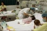 Cần phải có quy định bắt buộc người dân đưa con đi tiêm vắc xin
