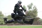 Clip: Ngán cảnh tắc đường, cảnh sát Dubai đi tuần bằng mô tô bay như phim Hollywood