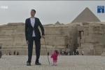 Clip: Người cao nhất và thấp nhất thế giới hội ngộ ở Ai Cập