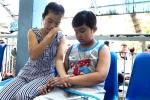 Cha mẹ nghèo bất lực nhìn con nhỏ mất dần trí nhớ vì ung thư máu