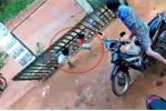 Ai có con nhỏ cần xem clip này để tránh tai nạn đáng tiếc!