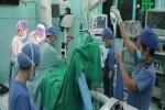 Cứu sống bé trai bị lõm ngực, nang tuyến phổi bẩm sinh