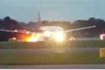Kinh hoàng máy bay chở 241 người bốc cháy ngùn ngụt khi hạ cánh