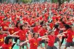 Video: Học sinh Hà Nội nhảy hết mình cổ vũ đội tuyển Việt Nam
