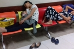 Ảnh: Nắng nóng 40 độ C, người người thi nhau 'gục' trên ghế bệnh viện