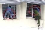 Clip: Nam sinh đòi nhảy lầu tự tử, phản kháng dữ dội khi được giải cứu