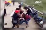 Ngán ngẩm clip hai nhóm nữ đánh nhau bên bờ sông như phim hành động