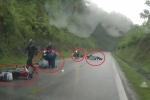 Cao Bằng: Nối đuôi nhau vượt xe tải, hàng loạt xe máy ngã la liệt trên đèo
