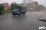 Bão số 2 đi vào đất liền, Hà Nội đang mưa rất to