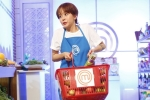 Bị giao vai trò phụ bếp, An Nguy vẫn vui vẻ thực hiện nhiệm vụ
