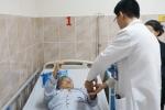 4 giờ phẫu thuật cứu cụ bà 72 tuổi mang khối u tủy sống hiếm gặp