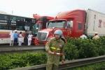 Nguyên nhân 2 xe khách tông nhau trên cao tốc Pháp Vân - Cầu Giẽ, hơn 10 người bị thương