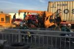 Xe cứu hộ tông đuôi container, 3 người chết trên cầu Phú Mỹ