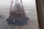 Siêu bão Hato: Gió giật 198km/h, tàu cá đâm đứt dây neo tàu quét mìn Trung Quốc