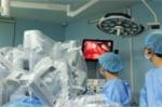 Robot cứu người phụ nữ mang song thai bị nhiễm trùng đường mật