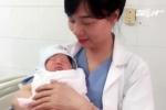 Vợ chồng trẻ vui mừng đón con gái nặng 3,3 kg chào đời từ trứng đông lạnh