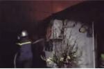 Nhà trên phố Thủ đô bốc cháy dữ dội ngày mùng 1 Tết
