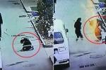 Clip: Bé trai nghịch dại ném pháo xuống hố ga và cái kết khủng khiếp