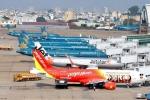 Cung cấp dịch vụ tại sân bay: Thu tiền tỷ mỗi ngày