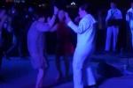 Video: Người dân Đà Nẵng nhảy nhót cực sung cùng ban nhạc Hải quân Mỹ