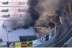 Hiện trường thảm khốc vụ máy bay rơi xuống trung tâm thương mại ở Australia