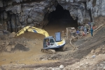 Ảnh: Cảnh ngổn ngang ở 'đại công trường' tìm kiếm hai phu vàng mắc kẹt trong hang Cột Cờ