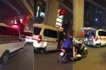 Clip: CĐV trèo lên cả xe cứu thương, cuồng nhiệt ăn mừng chiến thắng