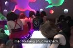 Video: Hơn 100 tiếp viên nữ ăn mặc khêu gợi trong quán karaoke ở TP.HCM