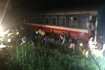 Tàu chở 200 hành khách trật bánh ở Thanh Hóa, một toa văng khỏi đường ray
