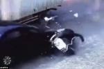 Video: Phóng bạt mạng bằng xe ăn cắp, thủ phạm bị 2 ô tô đâm liên tiếp