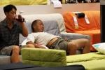 Việc nhẹ lương cao: Ngủ thuê kiếm 330 triệu đồng/năm