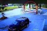 Video: Ô tô văng tốc độ cao bay vào trạm xăng, nữ tài xế may mắn thoát chết
