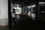 Tầng hầm chung cư ngập như sông, bơm 3 ngày không hết