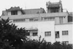 Kỳ lạ khói hương nghi ngút bay ra từ nóc chung cư cao cấp ở Hà Nội