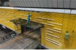 Video: Công nhân đu dây, gấp rút vệ sinh ga tàu đường sắt Cát Linh - Hà Đông trước ngày lăn bánh