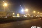 Sau tai nạn xe khách 'vắt vẻo' trên cầu Thanh Trì, đường trên cao ùn tắc kéo dài