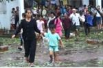 Ảnh: Bão số 10 chưa tan, hàng nghìn người dân Hà Tĩnh vội vã bắt xe về nhà